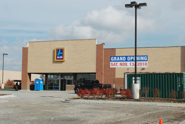 Chicago Commercial Retail Space - Aldi