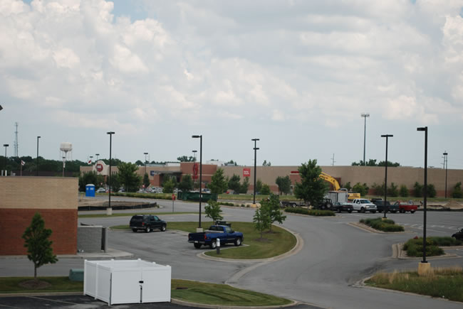 Chicago Commercial Leasing Property - Stracks and Target