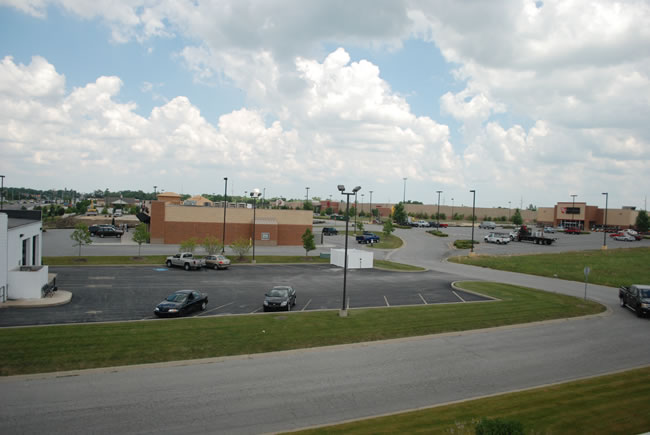 Chicago Commercial Leasing Property - Ravenwood Square