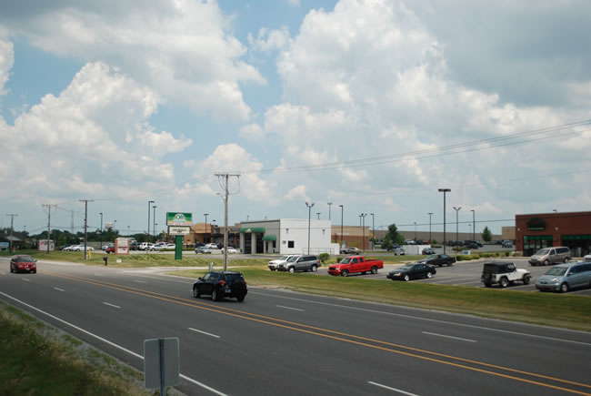 Chicago Commercial Strip Mall - Ravenwood Square