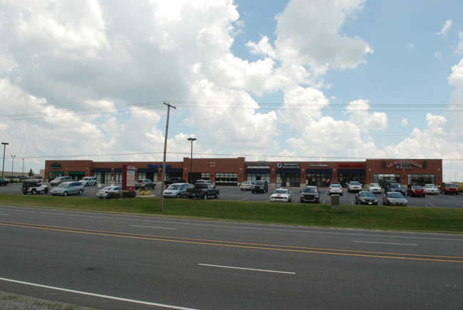 Chicago Commercial Retail Space - Ravenwood Square